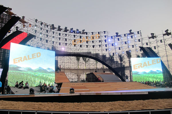 P18 outdoor mesh curtain full color LED display screen